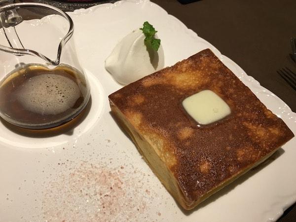 紅茶の専門店のパンケーキ